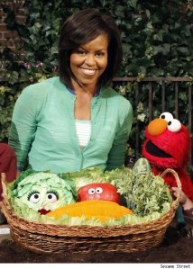 michelle-obama-and-elmo-17321-1241624109-2